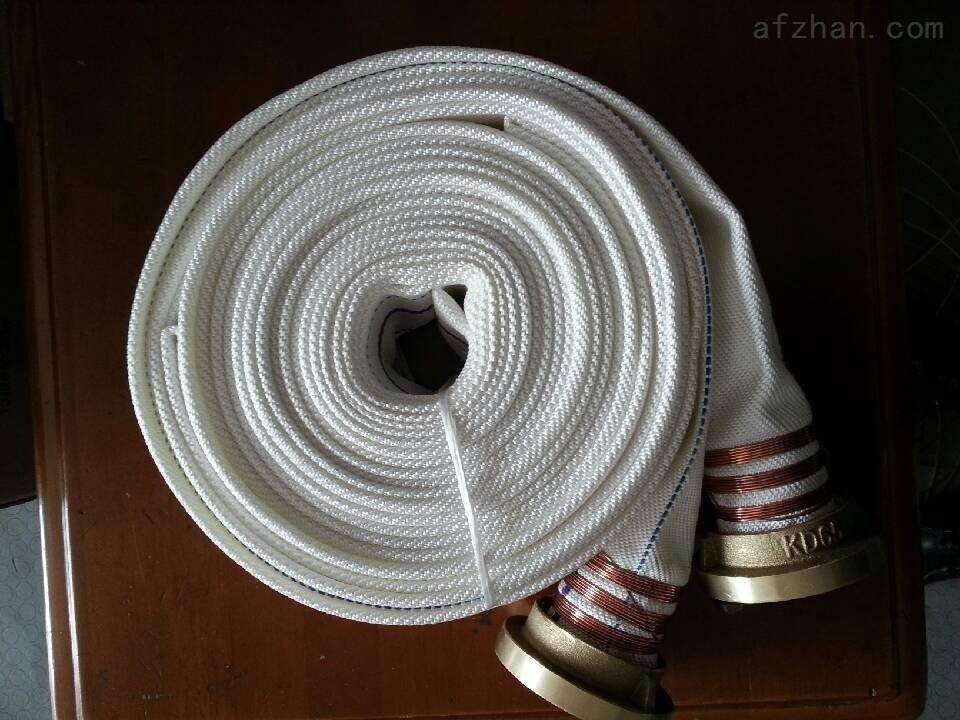 广州永翔消防设备有限公司始建于2001年,经过多年的发展壮大,现已成为专业生产各种全铜消防产品的内外销制造型企业。在2003年前按国际标准ISO9001建立了质量管理体系,拥有各类先进的生产设备及自动化生产线,产品品种、质量均居同类企业前列。 永翔消防设有铸造、机械加工、组合装配及钣金、喷涂生产线,配有光谱分析仪及大型检测系统,并拥有各种专业技术人员可为客户开发设计各项产品。公司运用高精度数控机床进行加工,用完善的检测设备进行专业检测,并有一整套严格的产品管理体系和创新的工艺,从而为客户提供安全可靠的产品