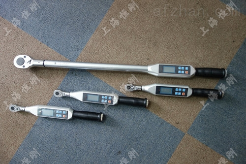 检测螺栓用的可调数显扭矩扳手0-1800N.m
