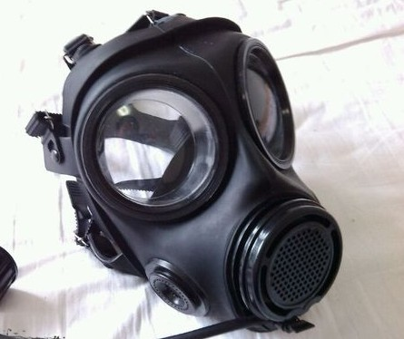 防毒面具的使用方法