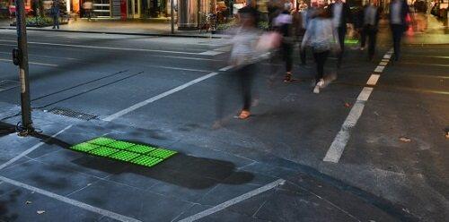 """""""超贴心"""":墨尔本试点地面交通信号灯"""