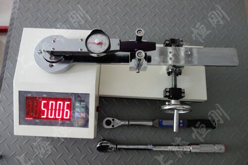 扭力扳手测试机图片